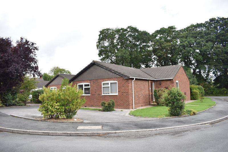 3 Bedrooms Detached Bungalow for sale in Llys Llannerch, St Asaph