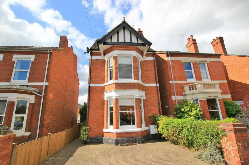 3 Bedrooms Detached House for sale in Laugherne Road, ST JOHNS