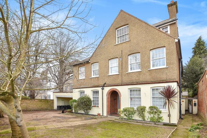 Flat for sale in Wimbledon, SW19