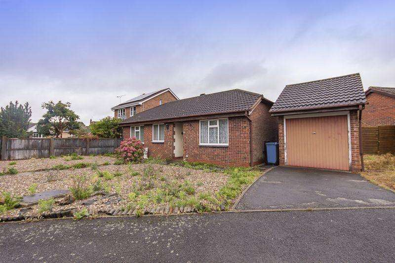 2 Bedrooms Detached Bungalow for sale in Finningley Drive, Derby