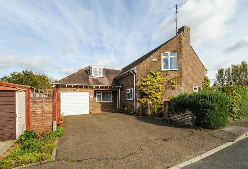 3 Bedrooms Detached House for sale in The Hermitage, North Mundham