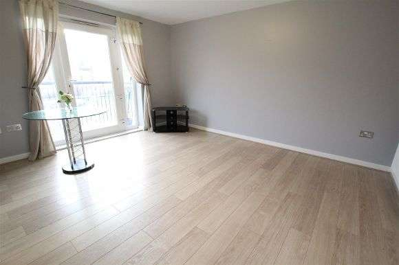 2 Bedrooms Flat for sale in City Quay, Ellerman Road, Liverpool