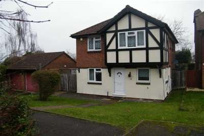 4 Bedrooms House for rent in Amberley Close Orpington