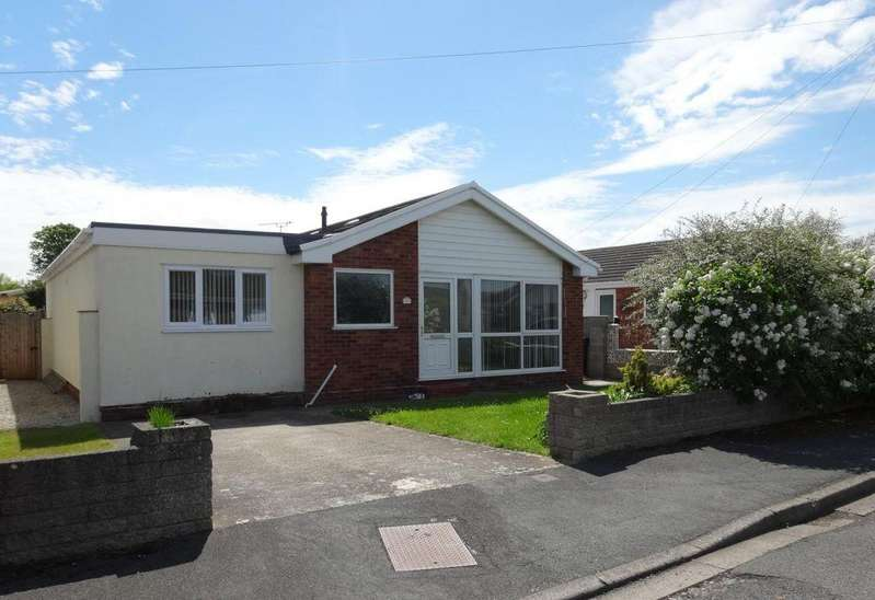 3 Bedrooms Detached Bungalow for sale in Maes Ffyddion, Rhuddlan