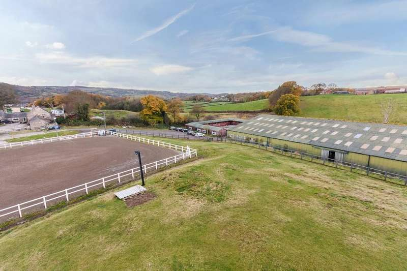 4 Bedrooms Equestrian Facility Character Property for sale in Gresford Road, Hope