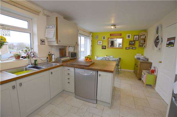 3 Bedrooms Detached House for sale in The Bassetts, Cashes Green, Gloucestershire, GL5 4SW