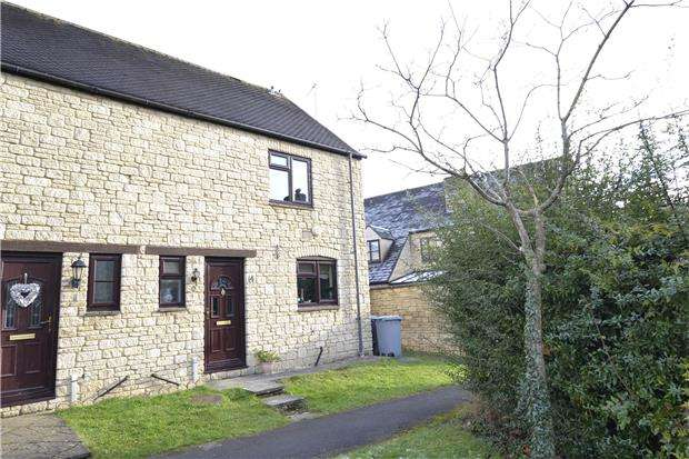 3 Bedrooms Semi Detached House for sale in Idbury Close, WITNEY, Oxfordshire, OX28