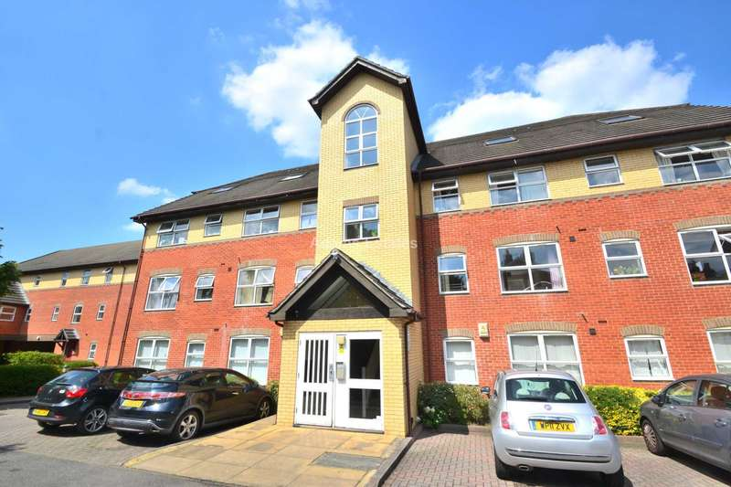 2 Bedrooms Apartment Flat for sale in Two bedroom flat at Charles Place, Kings Road