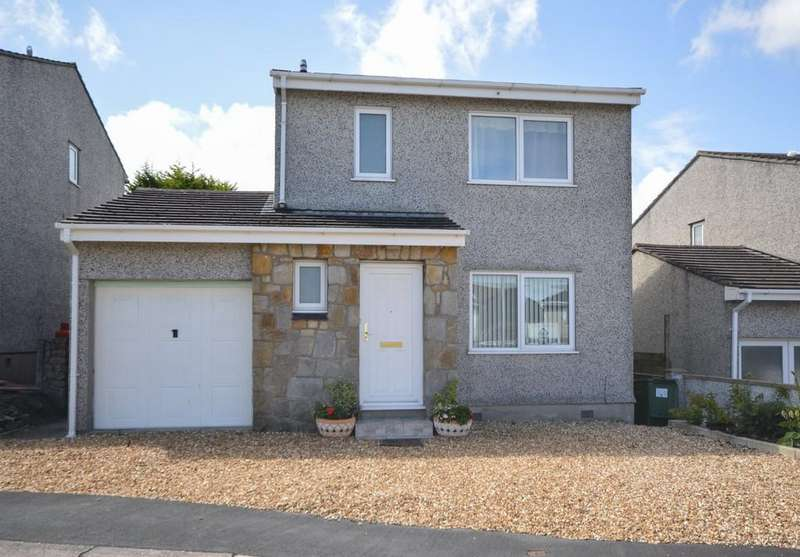 3 Bedrooms Detached House for sale in Gorwel Estate, Amlwch, North Wales