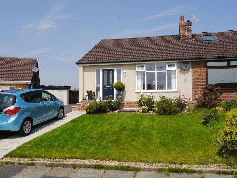 2 Bedrooms Semi Detached Bungalow for sale in Singleton Grove, Westhoughton, BL5 3HW