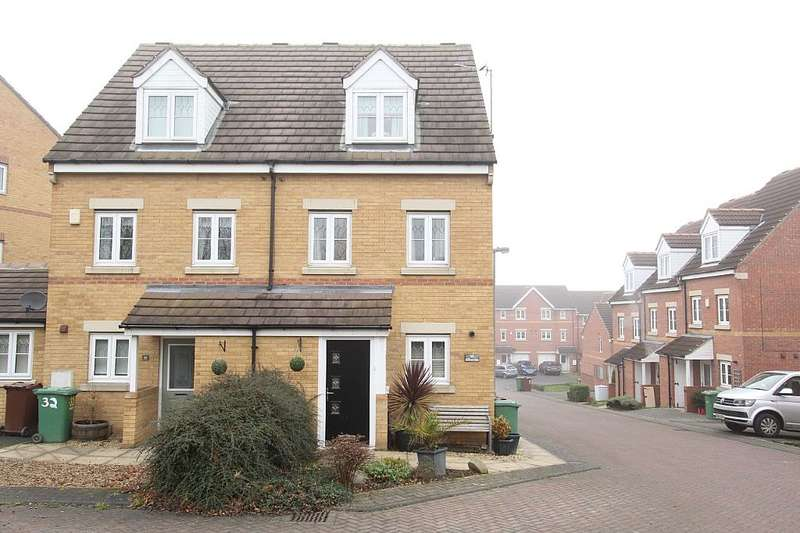 3 Bedrooms Semi Detached House for sale in Bellflower Close, Castleford, West Yorkshire, WF10 5UF