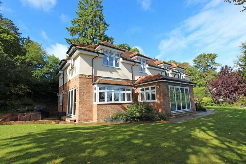 5 Bedrooms Detached House for sale in Hollymeoak Road, Coulsdon