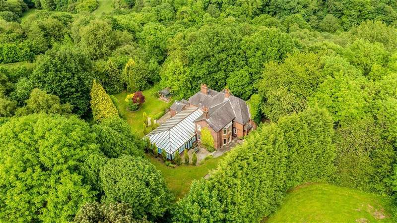 5 Bedrooms Detached House for sale in Dale Road, Marple, Cheshire