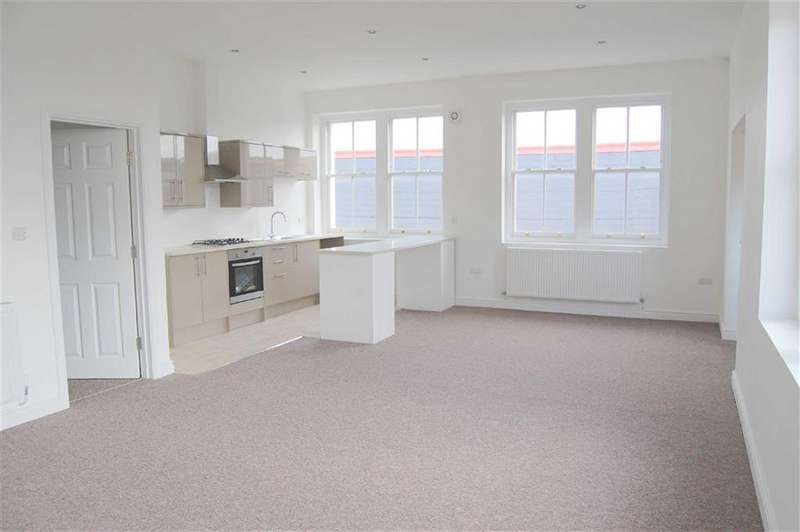 3 Bedrooms Apartment Flat for sale in Vaughan Street, Llandudno, Conwy