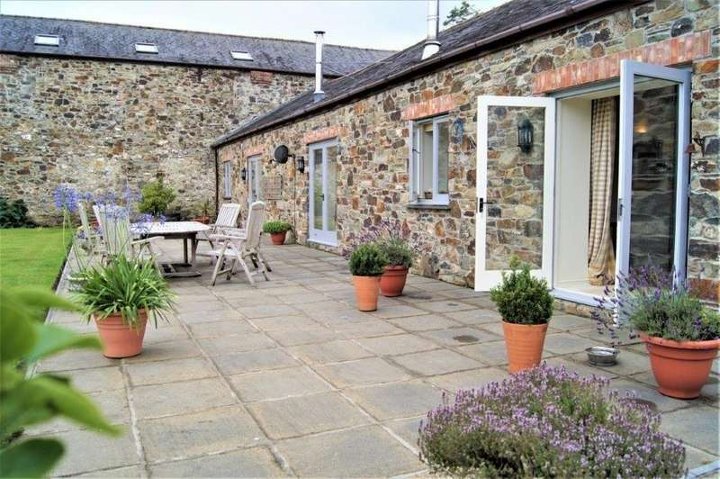 3 Bedrooms Barn Conversion Character Property for sale in Chillaton, Lifton