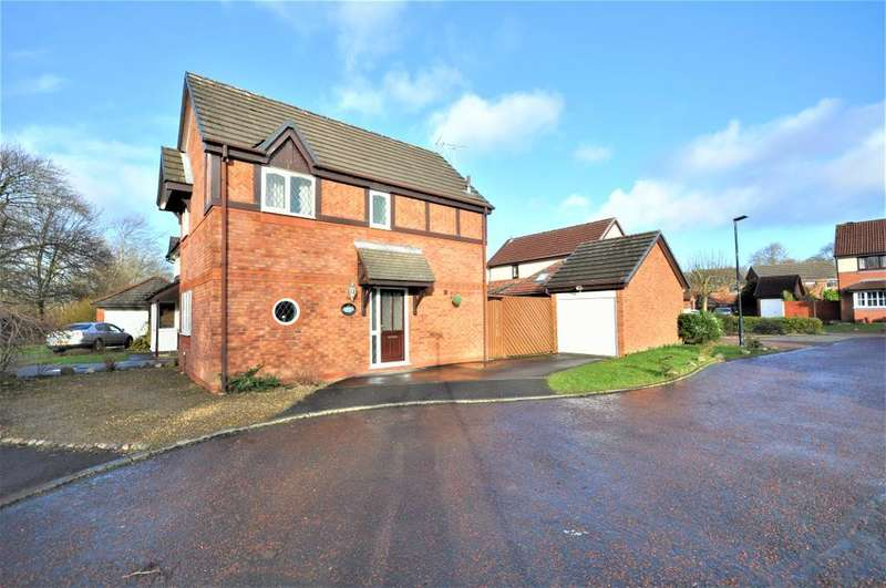 3 Bedrooms Detached House for sale in Sandown Close, Kirkham, Preston, Lancashire, PR4 2EE