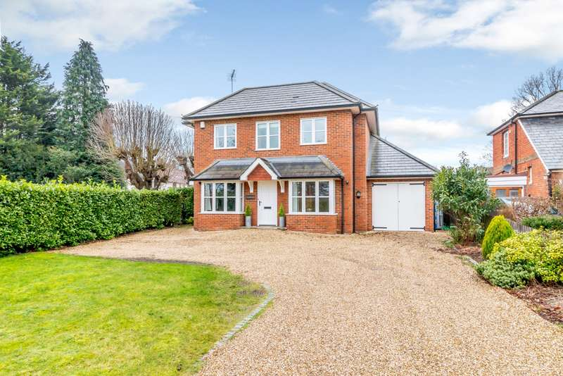 4 Bedrooms Detached House for sale in Pyrford