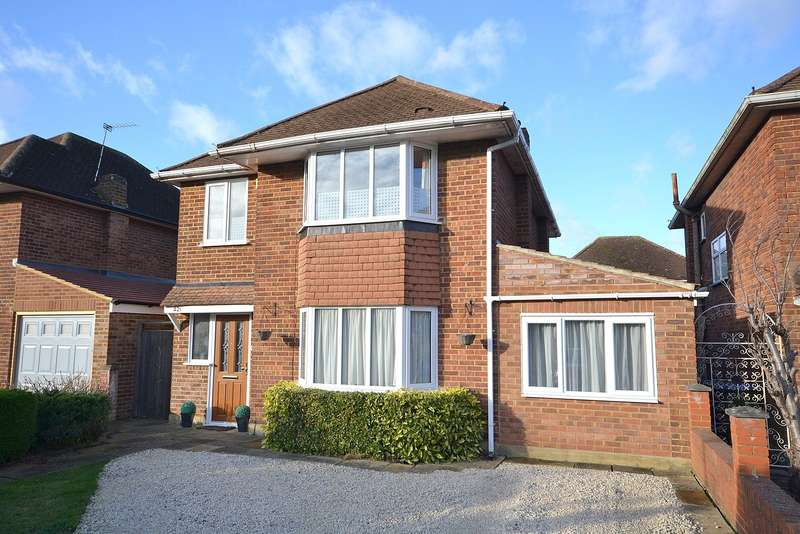 4 Bedrooms Detached House for sale in West Molesey