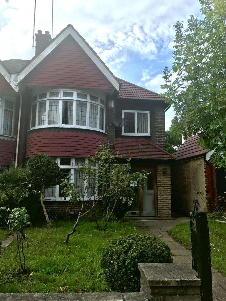 5 Bedrooms Semi Detached House for rent in Station Road, Hendon, NW4