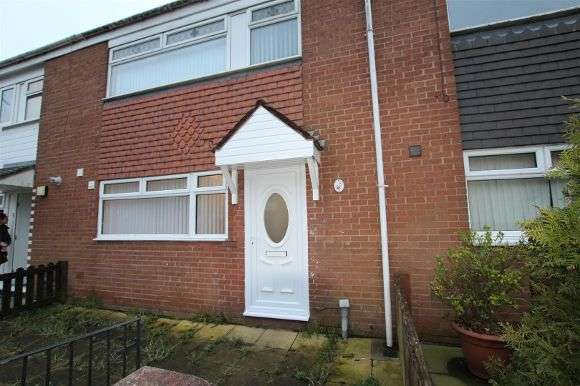 3 Bedrooms Terraced House for rent in 5 Martock, Whiston, Prescot