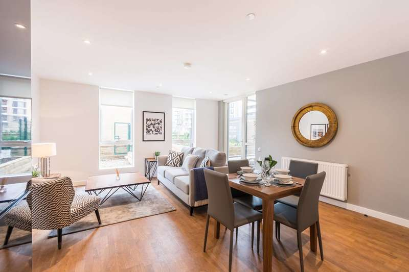 3 Bedrooms Flat for sale in Discovery Tower, Canning Town, E16