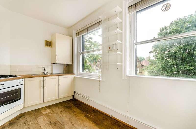 3 Bedrooms Flat for sale in Ulundi Road, Greenwich, SE3