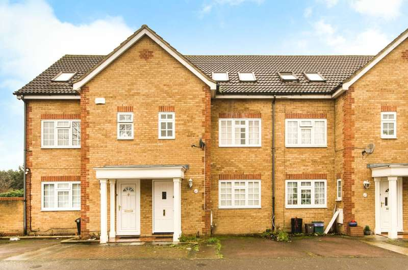 4 Bedrooms House for sale in Wilkins Close, Mitcham, CR4