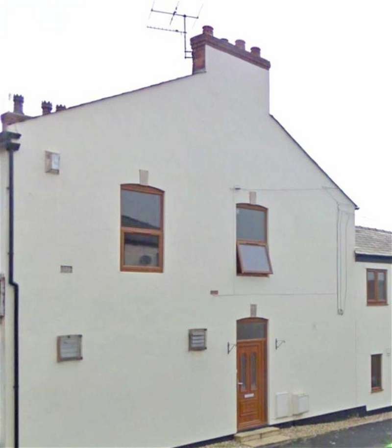 2 Bedrooms Flat for sale in Station Road, Croston, PR26