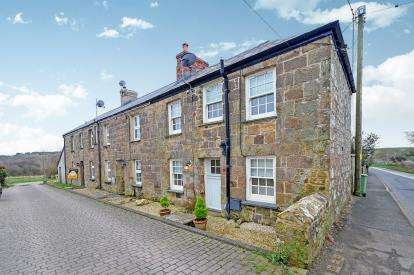 2 Bedrooms End Of Terrace House for sale in Trethiggey, Quintrell Downs, Cornwall