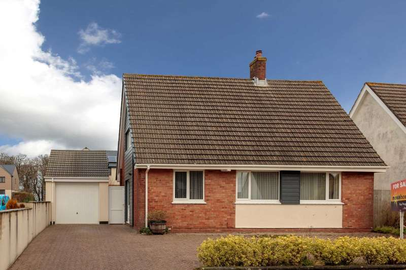 3 Bedrooms Detached House for sale in Springfield Close, Plymstock, Plymouth, PL9 8QD