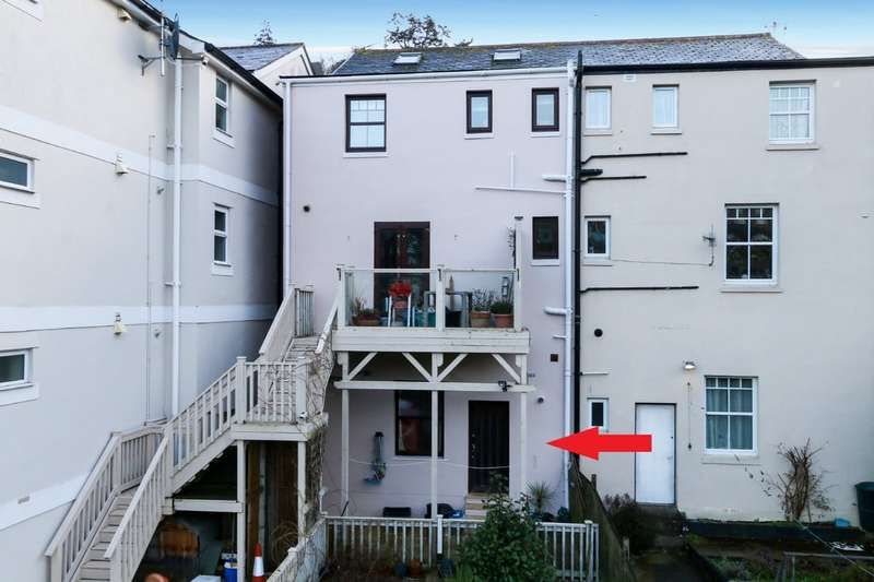 2 Bedrooms Flat for sale in Coombe Vale Road, Teignmouth