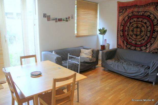 3 Bedrooms Flat for rent in Fenwick Place, Clapham, SW9