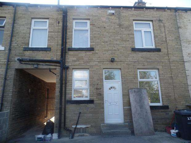 2 Bedrooms Terraced House for sale in Pembroke Street, Bradford, BD5