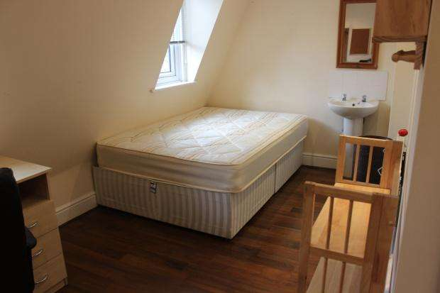 5 Bedrooms Maisonette Flat for rent in Leighton Road, London, NW5