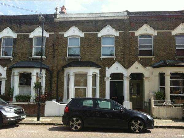 3 Bedrooms Terraced House for sale in Wedmore Gardens, London, N19