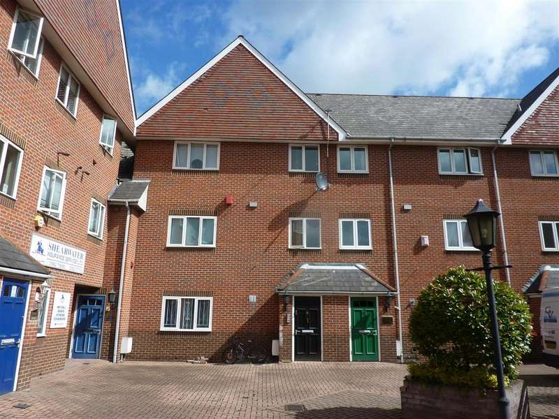 2 Bedrooms Detached House for rent in High Street, Waltham Cross