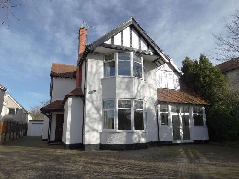 4 Bedrooms Detached House for sale in 34 Francis Avenue, Rhos on Sea, LL28 4DW