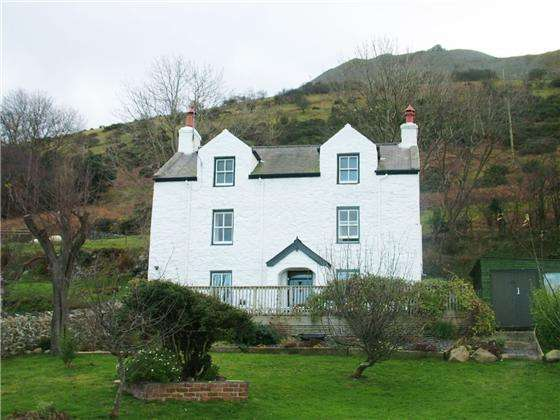 3 Bedrooms Farm House Character Property for sale in Graiglwyd Farm, Penmaenmawr, LL34 6EP