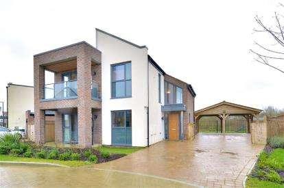 4 Bedrooms Detached House for sale in Ferranti Place, Oakgrove, Milton Keynes