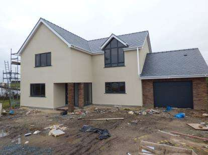 5 Bedrooms Detached House for sale in Penysarn, Anglesey, North Wales, United Kingdom, LL69