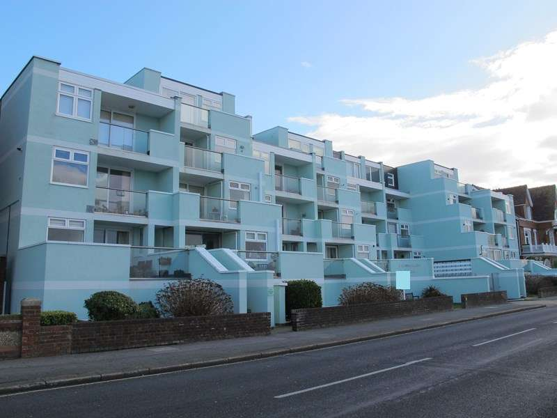 2 Bedrooms Property for sale in Marine Parade West, Lee-On-The-Solent