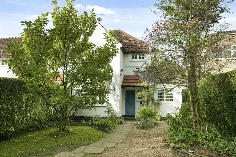 3 Bedrooms End Of Terrace House for sale in Sandy Lane, Cobham, Surrey, KT11