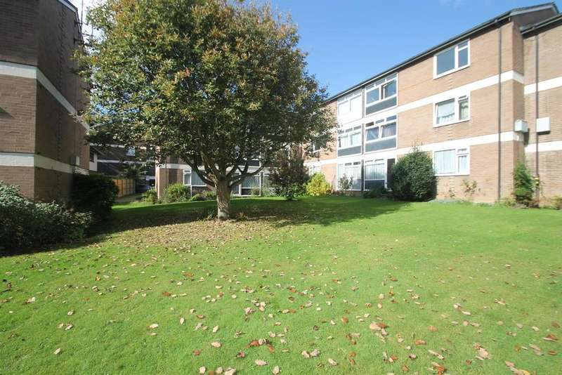 2 Bedrooms Apartment Flat for sale in Pine Lodge, Tonbridge Road, Maidstone