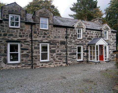 4 Bedrooms Unique Property for sale in Pen Garreg, Talsarnau LL47