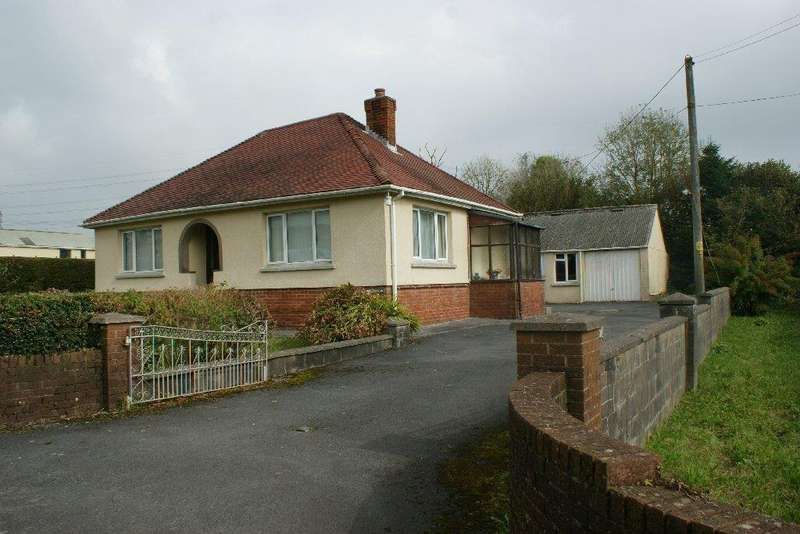 3 Bedrooms Detached Bungalow for sale in Meinciau, Kidwelly SA17