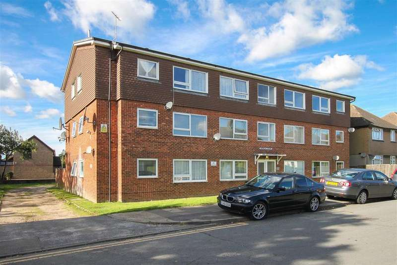 1 Bedroom Apartment Flat for sale in Dryden Close, Hainault