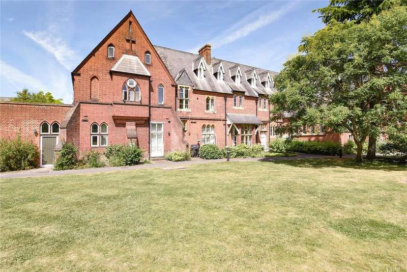 3 Bedrooms Duplex Flat for sale in Convent Court, Hatch Lane, Windsor, Berkshire, SL4