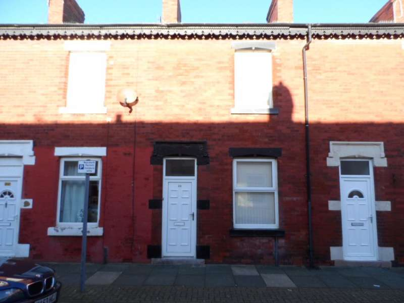 2 Bedrooms Terraced House for sale in Cross Street, Blackpool, FY1 2EA