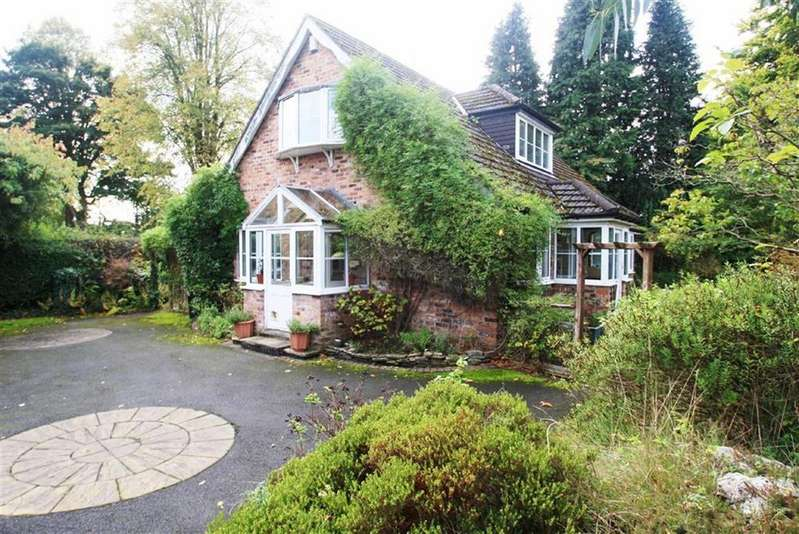 4 Bedrooms Detached House for sale in Chapel Lane, Wilmslow