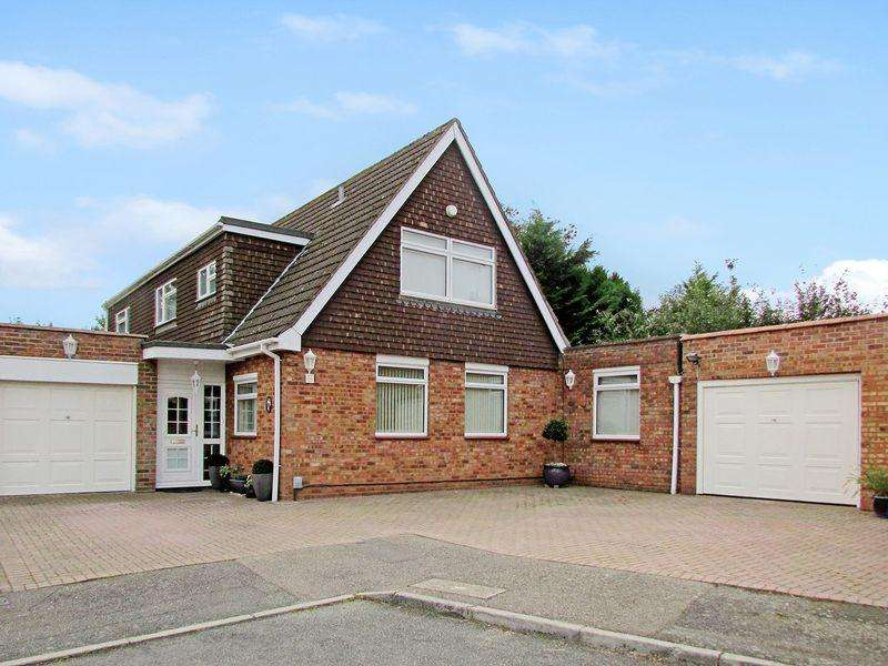 4 Bedrooms Detached House for sale in Rosewood, Wilmington